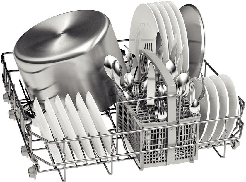 Вместительность одной корзины посудомойки Бош SMS40D12 RU