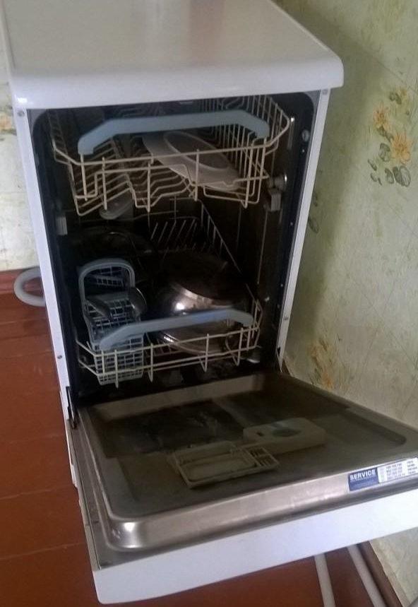 Конструкция посудомоечной машины Индезит DSG 5737